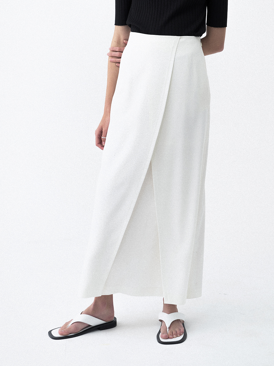 Wrap Pleats Long Skirt White