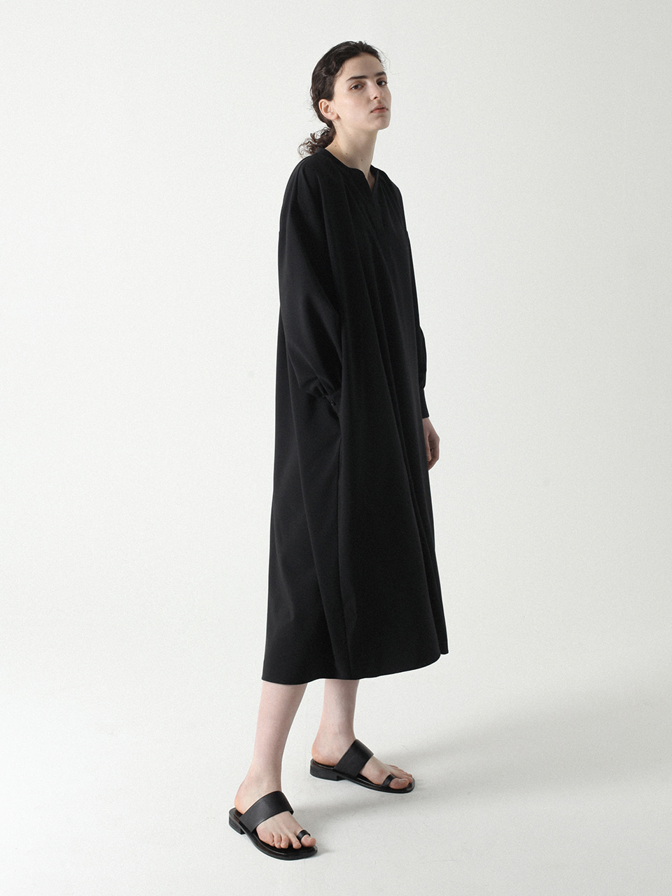 Wide Shirring Dress Black